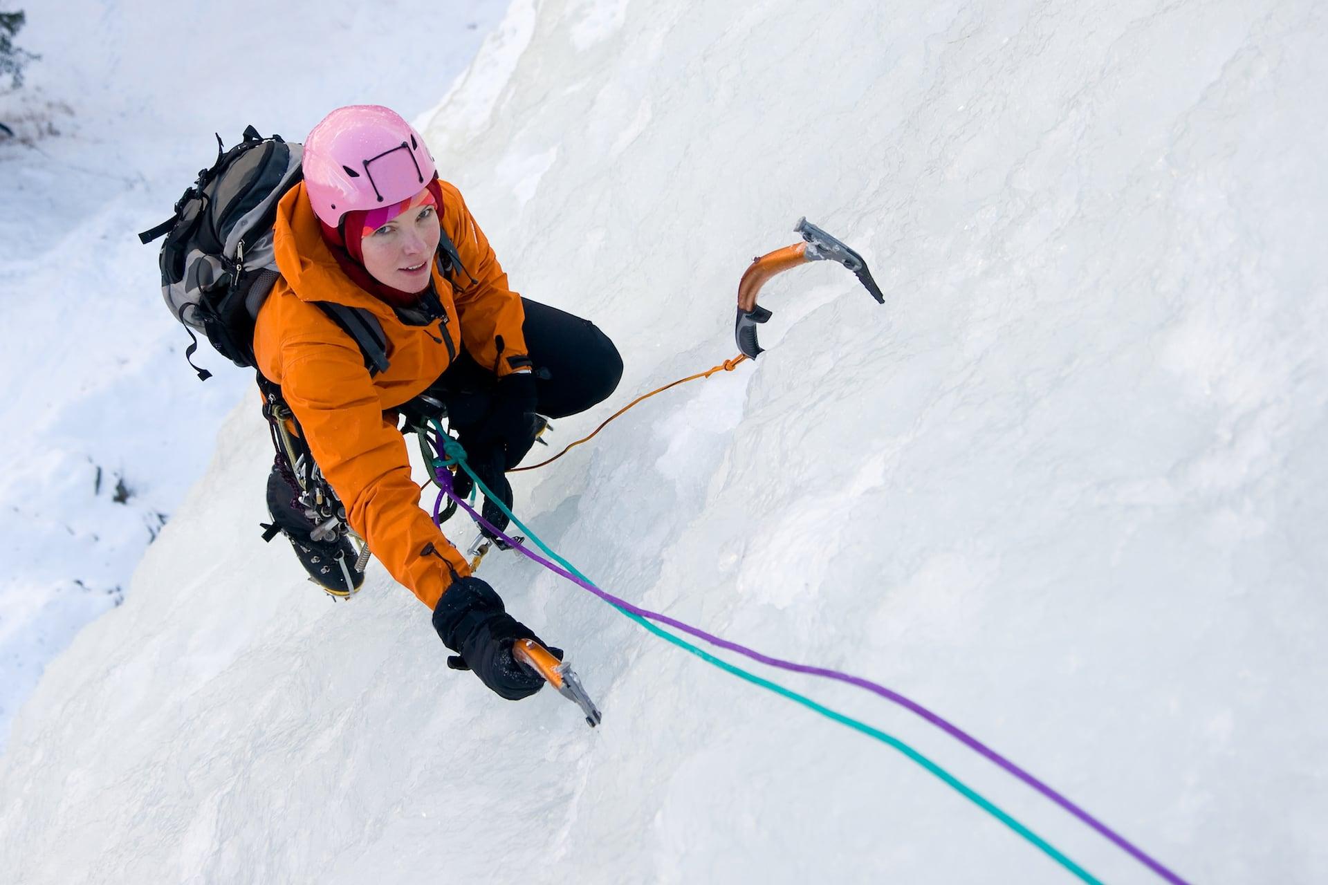 Ice climbing woman Mantis-Pro viti da ghiaccio